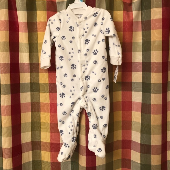 c8b9d071c NWT 6 month Carter's footie pajamas NWT